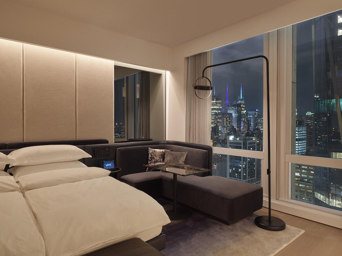 deluxekingcity-room-cityview