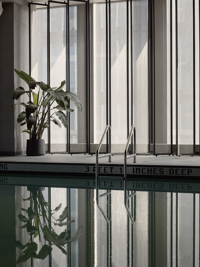 hotels-club-hm-062219-shot-02-indoorpool-0110-1